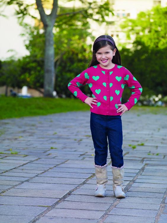 Linda Blusa Retilínea com bordado de  Coração! Sua filha ficará ainda mais linda!