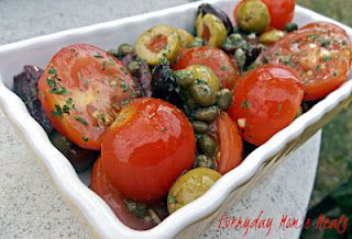 ~Quick Tomato & Olive Salad~ A simple yet scrumptious side dish perfect for any summer supper, party or barbecue!
