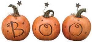 BOO!   http://sugardumplin.myshopify.com/products/boo-trio-pumpkins