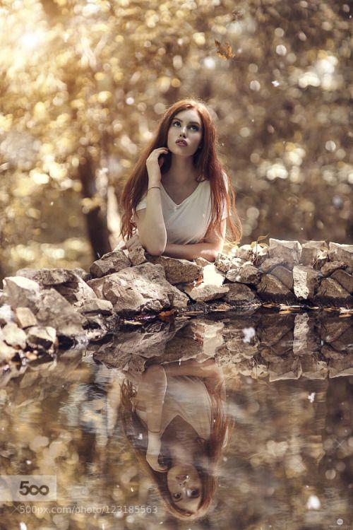 tinnacriss:  Wonderland by Aledicicco