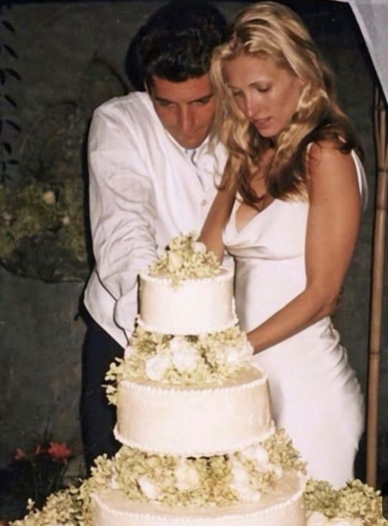*JOHN F. KENNEDY JR. & his new BRIDE CAROLYN BISSETTE