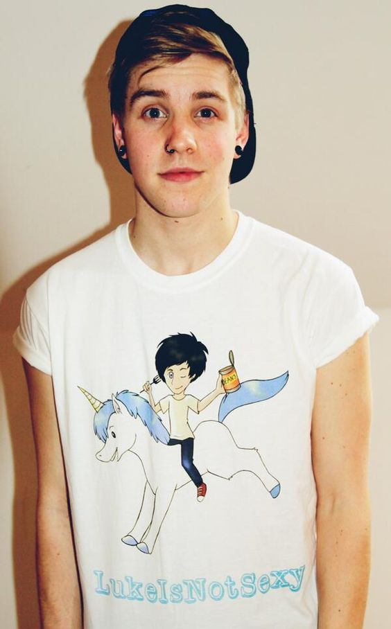 Patty Walters. Can we just take a moment to admire his face and his shirt