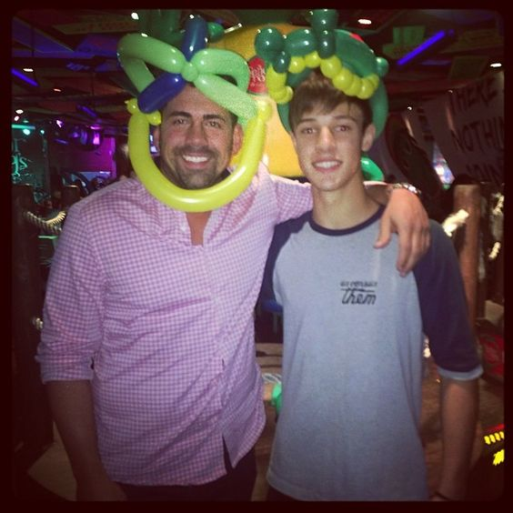. @bartbordelon and @cams_instagram at Señor frogs in Orlando! Come join us Friday at 3:00 pm!