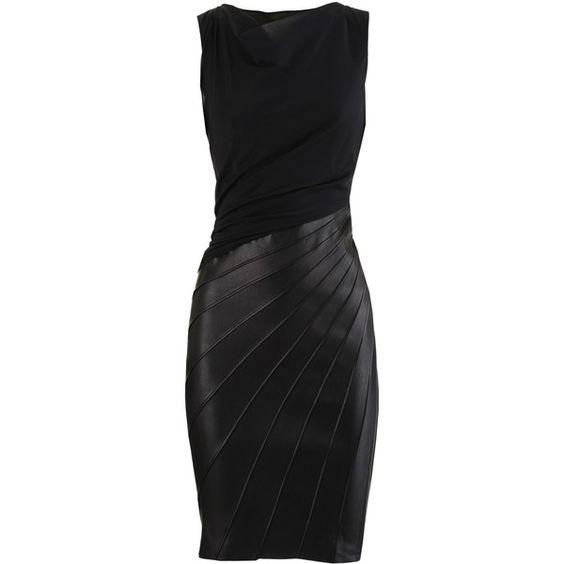 Figurbetont geschnittenes, ärmelloses Kleid mit Wasserfallausschnitt in Schwarz. Der Rock ist aus luxuriösem, weichem Nappaleder, das Oberteil ist in leichter …