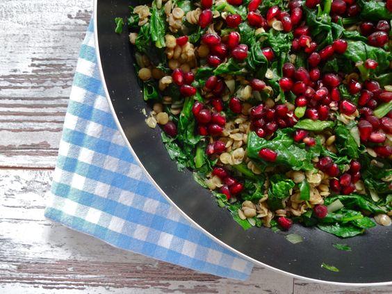 Spinat mit Linsen und Granatapfel