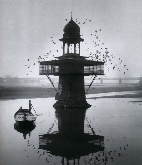 Arthur Tress    Mosque, Agra, India, 1966