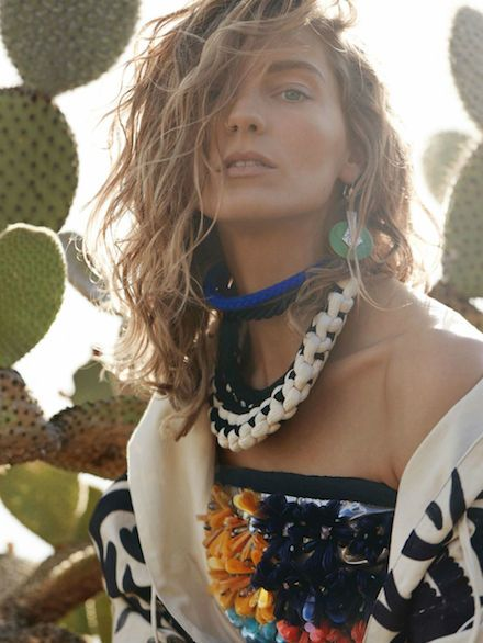 daria werbowy by mario testino for vogue uk