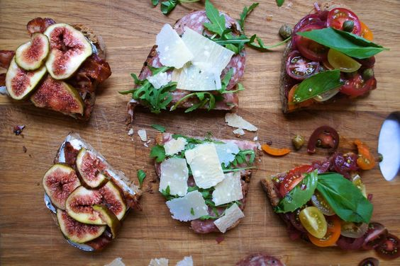 Notes of Bacon: Tartines - 3 ways
