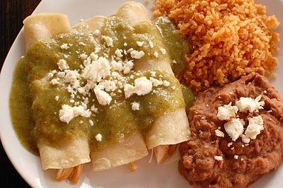 Chicken Enchiladas with verde sauce. Love verde anything! Right @Courtney Hill