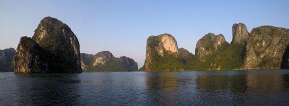 Blog Voyage Vietnam - Découvrez la baie de Bai Tu Long et la baie de Lan Ha, les deux jolies petites soeurs de la baie d'Halong.
