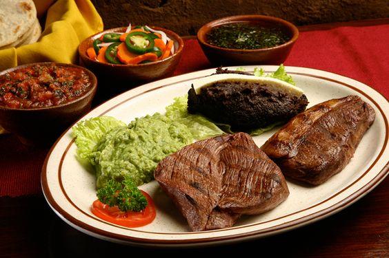 """Ya se acerca la hora del almuerzo, tienes que ir al restaurante Hacienda Real y probar su #WishDish el """"LOMITO PEREZ"""" ¡Ayudar nunca fue tan delicioso!"""