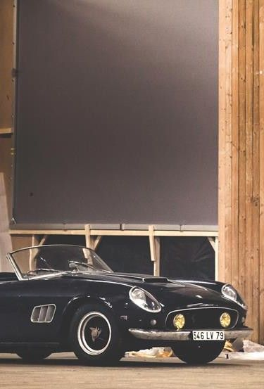Ferrari 250 GT SWB California Spider  (this car was sold yesterday in France 16 millions Dollars)