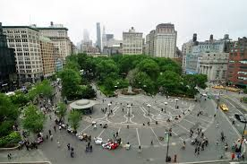Shopping in NEW YORK – the city shopping guide UNION SQUARE , MANHATTAN , NEW YORK