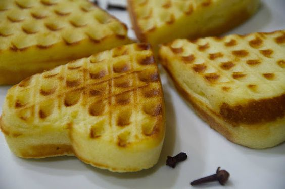 Indonesian Medan Food: Bapel ( Indonesian Style Waffle )