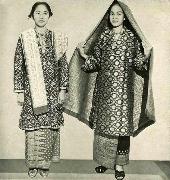 Vintage Palembang Songket And Baju Kurung