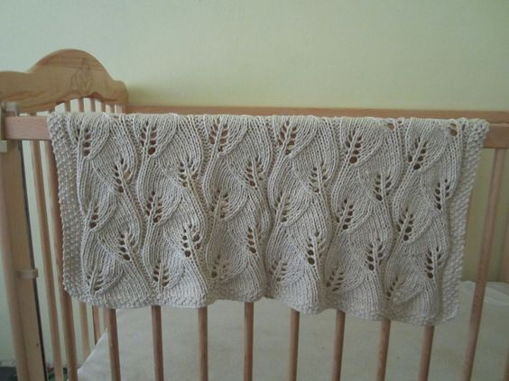 Knitting Pattern For Leaf Design Baby Blanket : #Free Pattern; Knit; Leaf Baby Blanket ~~ Knit & Crochet - My Passion ...