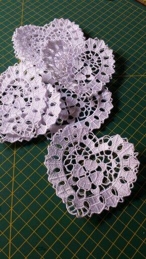 Crochet feito na máquina de bordar