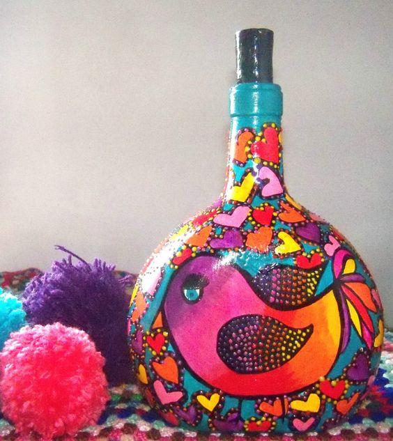 Decoraci n hogar botellas recicladas pintadas a mano for Decoracion hogar segunda mano