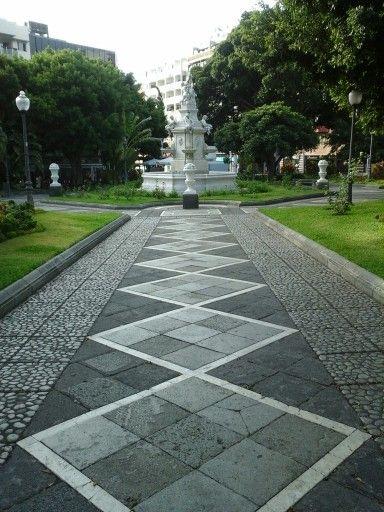 Plaza Weyler Santa Cruz