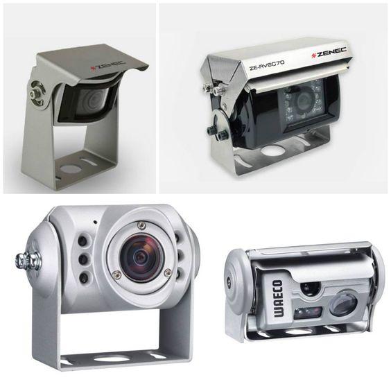 Precyzyjne manewrowanie kamperem czy przyczepą kempingową potrafi być problemem nawet dla najlepszych kierowców. Z pomocą przychodzą kamery cofania, które poza zobrazowaniem przestrzeni za pojazdem poinformują m.in. o odległości do najbliższej przeszkody. Ceny zaczynają się już od 999zł!  http://www.akcesoria-kempingowe.pl/multimedia/kamery-cofania/