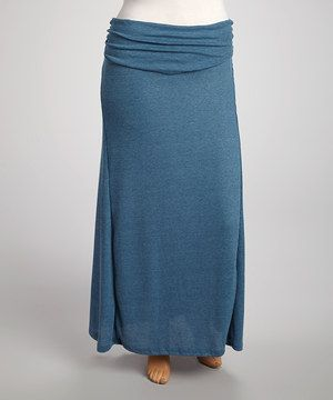 Craving the perfect combination of comfort and chic? Look no further. This floor length maxi skirt blends softness and stretch with a loose and lightweight fit.