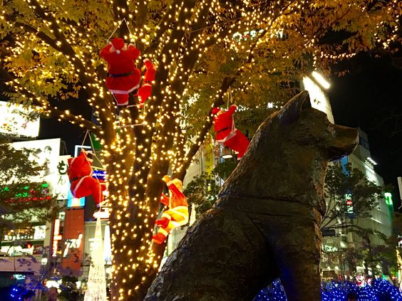 Hachiko Christmas : Santa Claus, Illumination and a lot of crowd