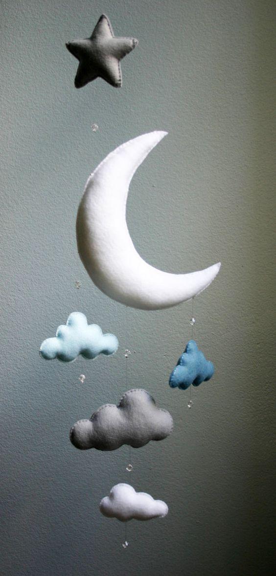 Bébé moderne - lune bleu, gris et blanc sentait Mobile avec nuages, Star & perles de cristal - la main - sur commande - pépinière Decor - choisissent la couleur Plus