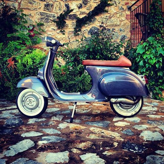 Vespas classic and cafe racers on pinterest for Vespa cafe racer