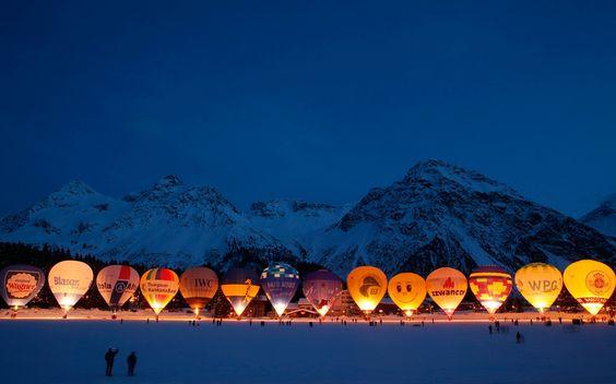 Globos preparados para volar durante el Festival Internacional de Arosa, Suiza (Reuters, 2015)