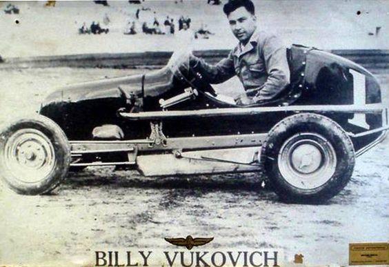 Bill Vukovich 1955   Bill Vukovich se inició en stock car en 1937 al volante de un ...