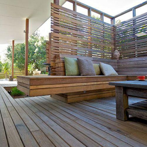 Decorar terrazas utilizando un banco de madera ip como for Terraza de madera exterior