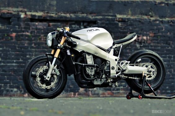 it is impossible to drive in Italy, the police would stop you after less than a mile :-( Ninja 750 by Huge Design