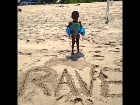 I Can T Swim Vine Original Youtube Funny Memes That S So Raven Hapoy Birthday