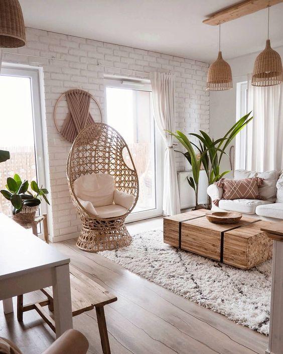 """Oliwia Niklas (@oliv.home) na Instagramie: """"A co tu się... ? Wczoraj fotel z balkonu wparował do salonu bo brakowało nam miejsca siedzącego…"""""""