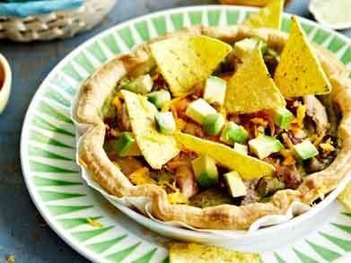 quiche met kip, avocado en nacho's - Libelle Lekker