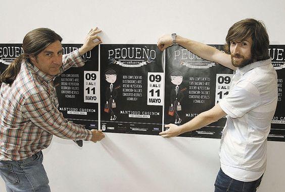 Pedro Lozano y José Sánchez de la Nieta sostienen un cartel de la feria. Tomás Fdez. de Moya
