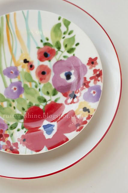 Rust & Sunshine: Anthro Inspired Plates... run a porcelain pen around the edges of white plates.... rainbow colors? I think yes!