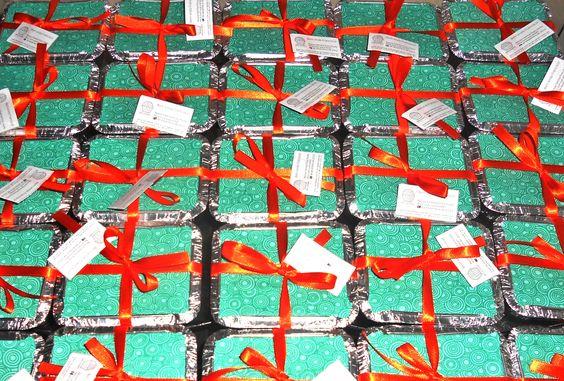 A Brigadeiro Design está preparada para atender todos os tipos de festas. Contamos com uma decoradora e temos preços e embalagens especiais para fazer do seu evento um sucesso! Temos brigadeiros em dois tamanhos, trabalhamos com centos, meio cento, brigadeiros cremosos unitários e também com as lembrancinhas para seus convidados!  Fale com a gente!  contato@brigadeirodesign.com.br