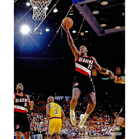 Clyde Drexler Portland Trail Blazers Layup 16x20 Photo (Getty #2705446)