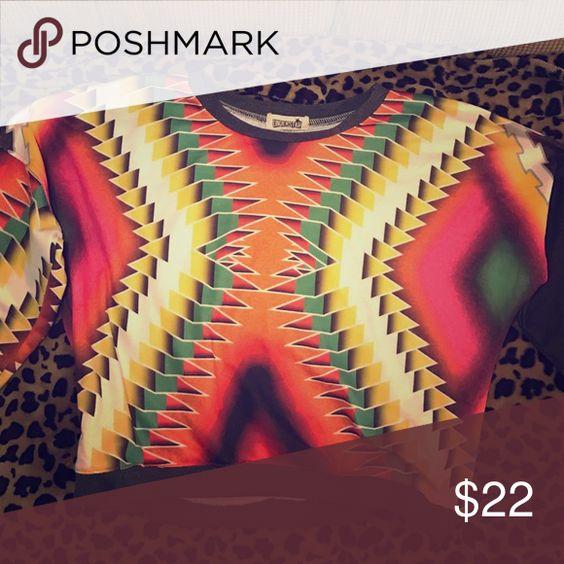 Sweater Cropped Aztec sweater crazy beautiful boutique Sweaters Crew & Scoop Necks