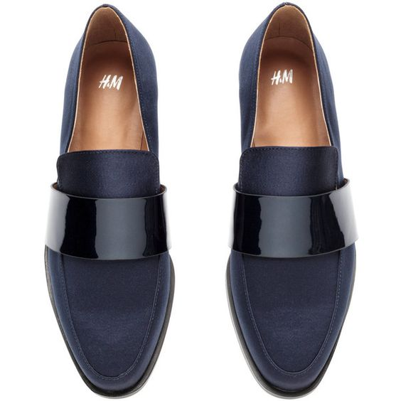 H&M Satin loafers ($26) ❤ liked on Polyvore featuring shoes, loafers, h&m shoes, rubber sole shoes, loafers & moccasins, loafer shoes and satin shoes