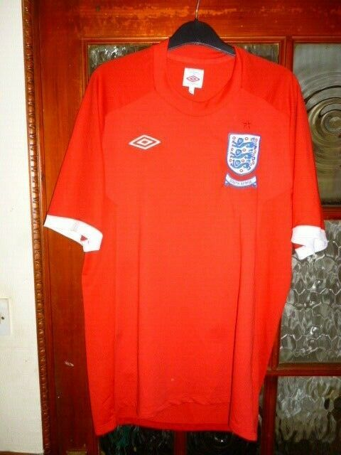 England Red Away Shirt 2010 World Cup South Africa Size 42 Fashion Sports Memorabilia Footb Womens Football Shirts World Cup Shirts England Football Shirt