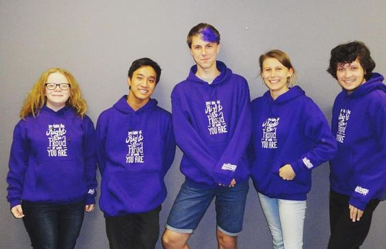 Australians are dressing up in all shades op purple to support rainbow youth and…