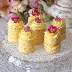 Lemon Buttercream Cakes- FABULOUS brunch, bridal, baby shower or even wedding dessert table idea!