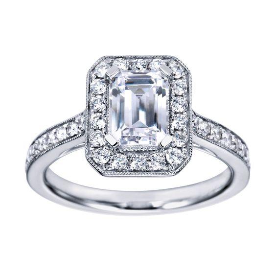 Engagement Ring Emerald Halo 4
