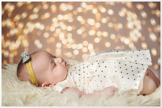 S18 Photography Christmas Mini Session | New Jersey Christmas Photographer www.s18newborns.com