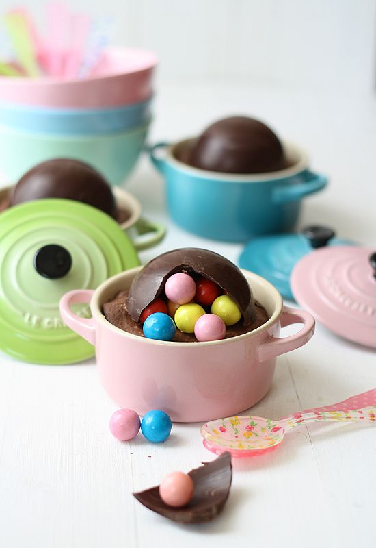okay, seriously...what normal person owns mini le creuset cocottes in pretty green and pink and blue pastels??     recipe - pretty mini le creusets = sad brown lumps.