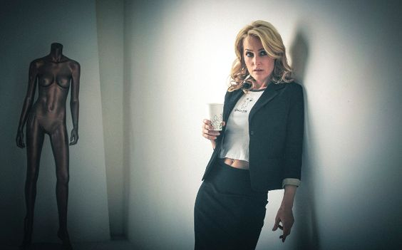 """the life and career of gillian leigh anderson Gillian anderson was just 25 years old when she walked into a los angeles   and a golden globe for her work as the breathtakingly brilliant scientist  """"if it's  meant to have a future life and if it's something that is enough for."""