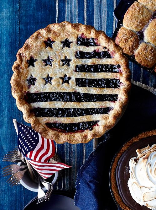 Create a flag-inspired pastry crust with our cutter that quickly cuts a perfect decorative crust from a single piece of dough.