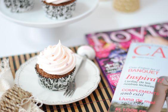 Receta: cupcakes de champán y fresas www.webnovias.com/blog